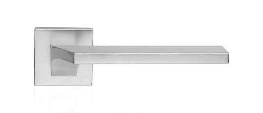 Ручка дверная Linea Cali Giro на 024 розетке, матовый хром