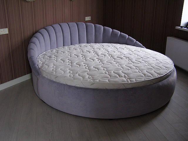 Круглая кровать от KabareMebel