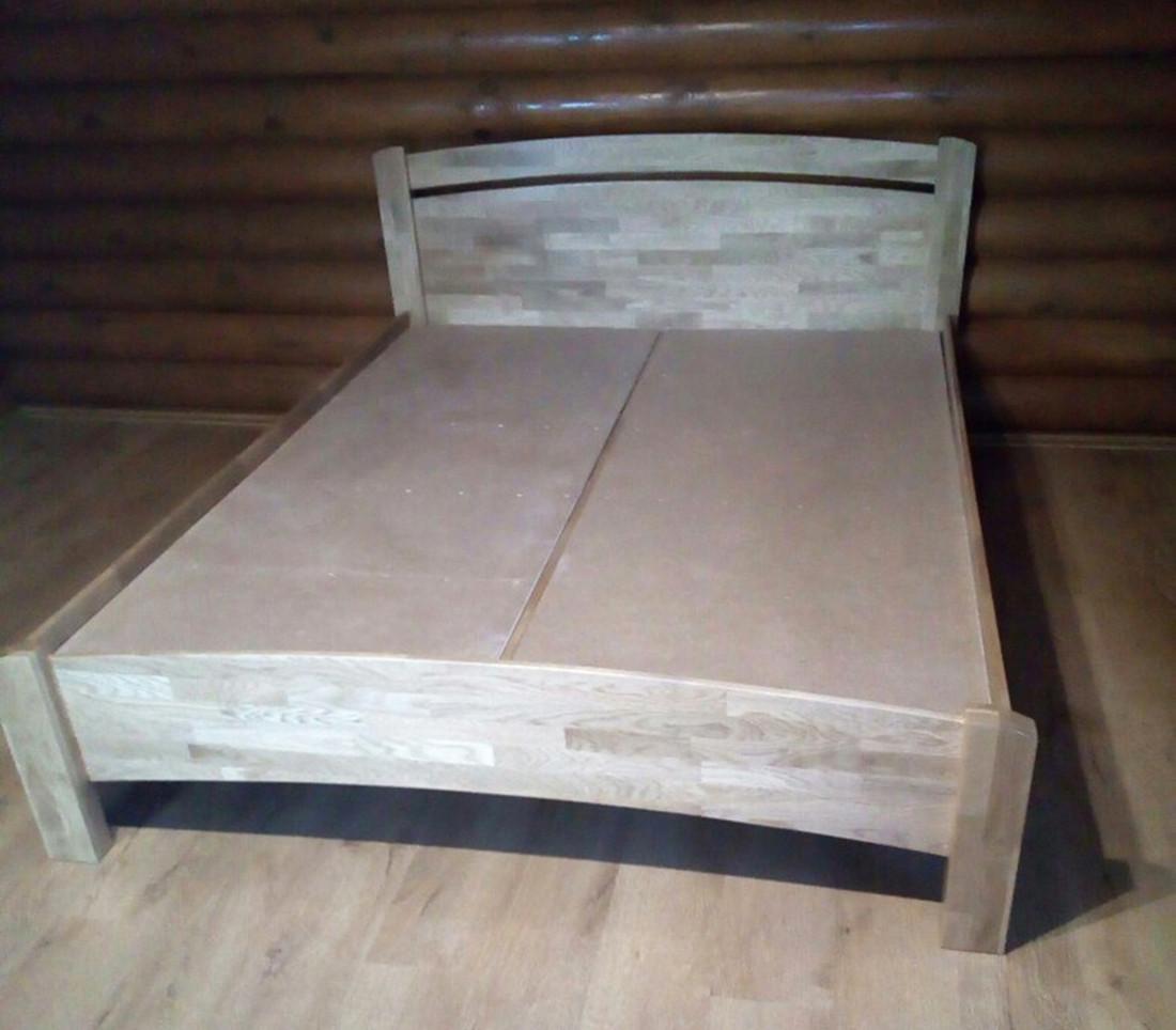 Кровать из массива дерева 055