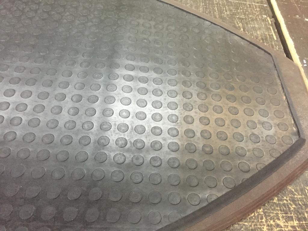коврик резиновый