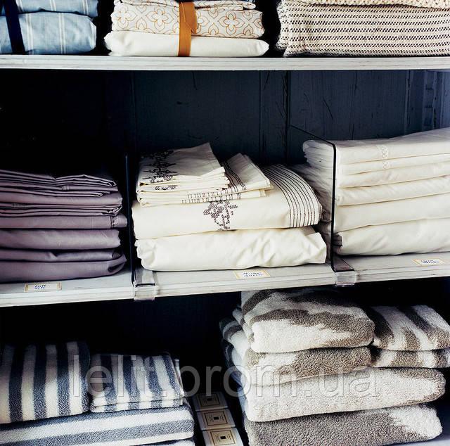 стопки постельного белья
