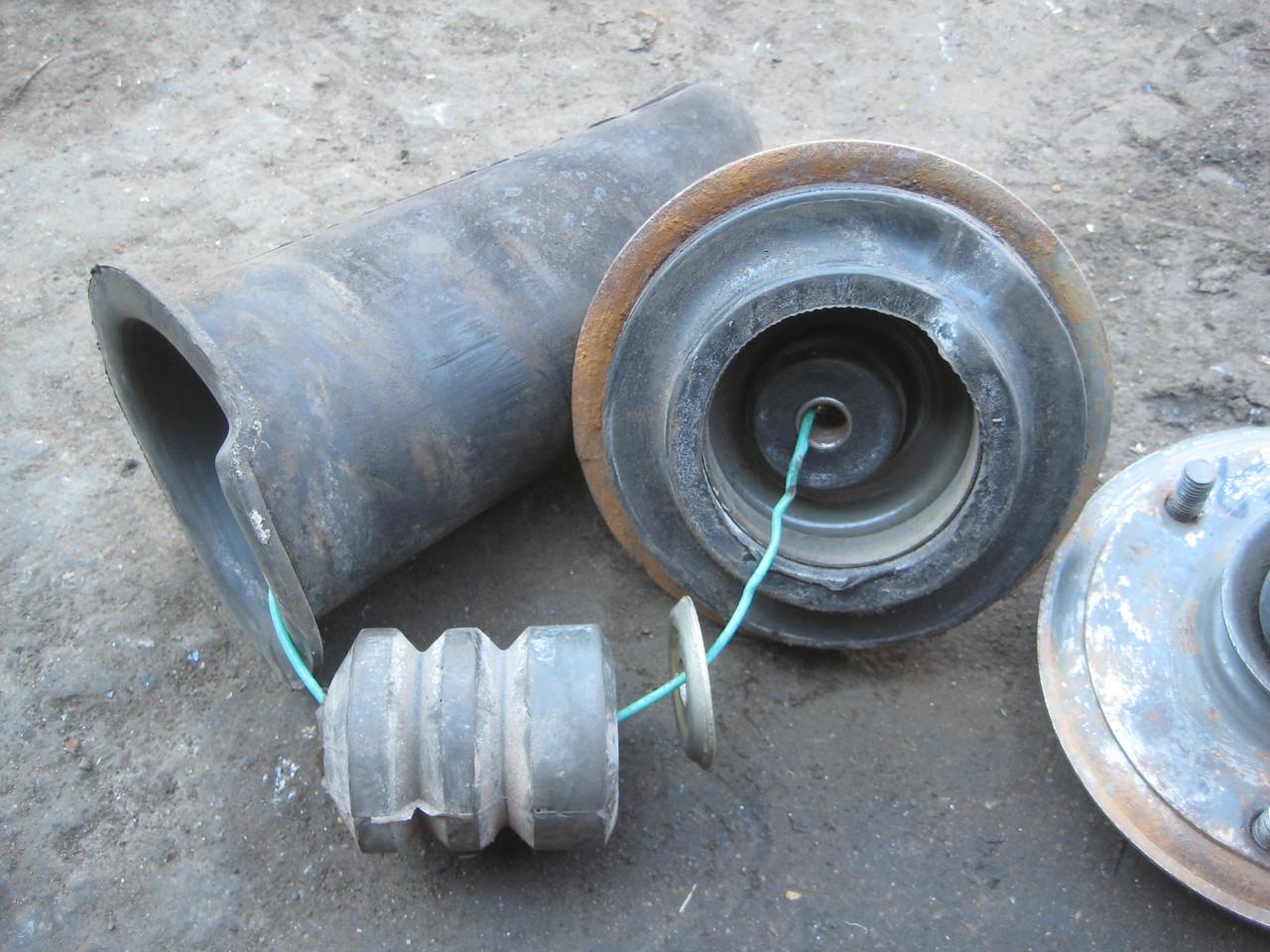 Пыльник отбойник опора задней стойки Таврия ЗАЗ 1102 1103 1105