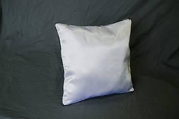 Подушка квадрат кант зелений