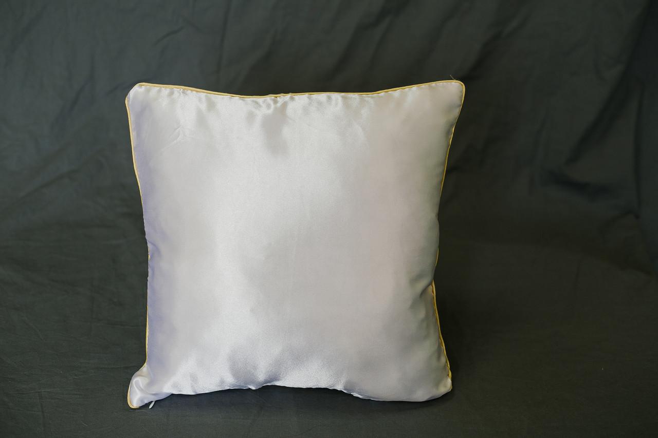 Подушка квадрат кант черный