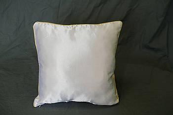 Подушка квадрат кант кольору шампань