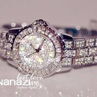 Часы с камнями серебро