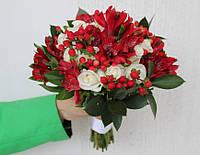 Свадебный букет красно-белый микс