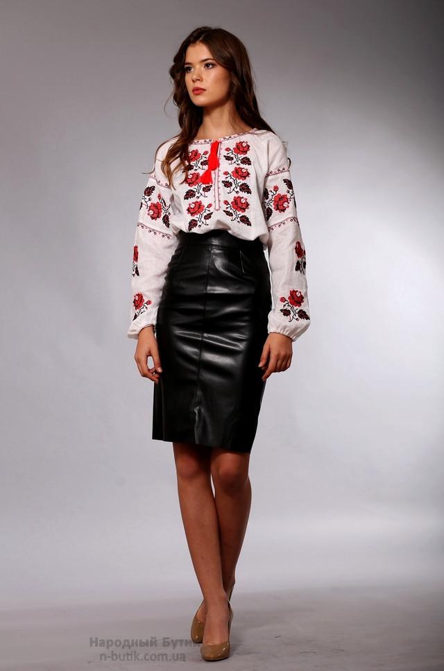 Украинская женская вышиванка с розами