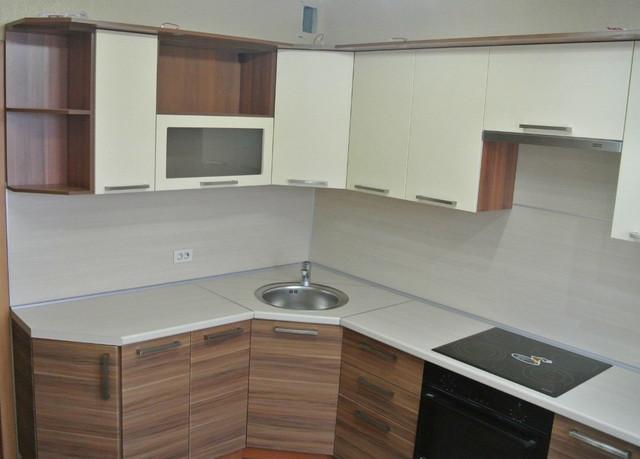кухня в цвете зебрано