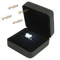 Искусственная кожа LED зажгли ювелирные изделия кольца свадебный подарок кейс коробка дисплея