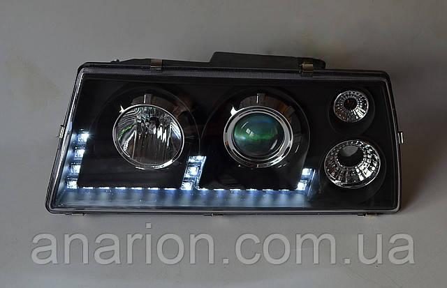 Передние фары на ВАЗ 2109 Светомания черного цвета.