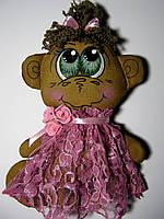 Кофейные игрушки Обезьянка в розовом платье ручной работы 21 см