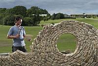 Джонни Класпер (Johnny Clasper) превращает камень в произведения искусства
