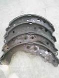 Замена задних тормозных колодок  (сторона), фото 3