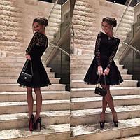 Короткое гипюровое платье с пышной юбкой с фатином
