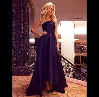 Длинное платье в пол с асимметричной юбкой и с открытыми плечами