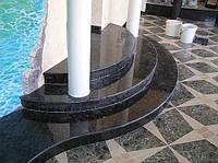 Радиусные ступени и подступенки из камня