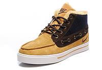 Зимние кроссовки Nike Sweet Classic желтые