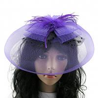 Шляпка-таблетка с перьями