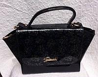 Женская лаковая сумка черная с цветами
