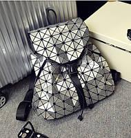 Стильный, практичный и вместительный женский рюкзак Вао Вао ( серебристый)