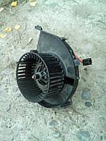 Моторчик печки Opel Combo C.