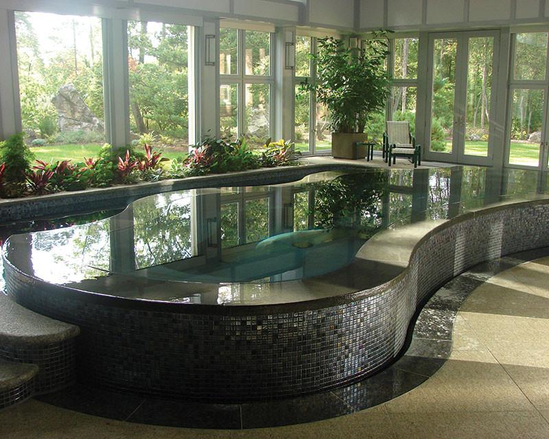 Скиммерный бассейн.Бассейн облицованый  мозаикой