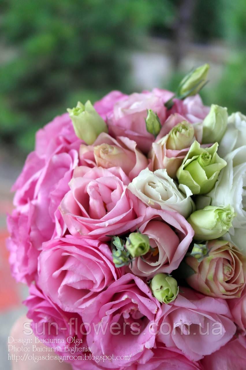 Весільний букет з біло-рожевих троянд