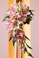 Свадебный  каскадный букет из лилий