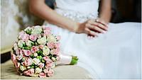 Свадебный букет с маленькими розочками