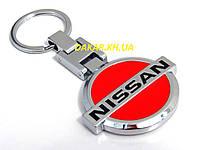 Брелок с логотипом Nissan красный