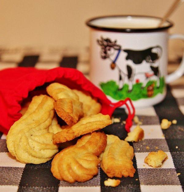 """Песочное печенье с ванилью """"Посох Деда Мороза"""""""