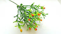 Веточка с оранжевыми ягодами и зелеными листиками 1 шт