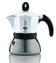 Гейзерная индукционная кофеварка Bialetti Moka express на 3 чашки (белый)