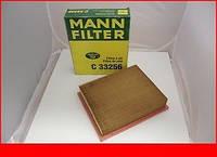 Фильтр воздушный Mercedes Vito 2.0-2.3, 2.3D 96-03 Mann C33256