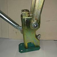 Устройство натяжное для пружинного замка, ключ для пружнього зажима