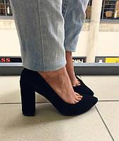 Туфли черного цвета из натуральной замши