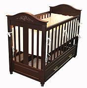 Дитячі дерев'яні ліжечка