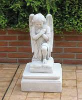 Статуя Ангел в молитве
