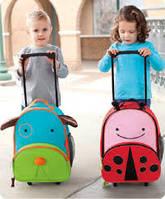 Личный чемодан на колесах для маленького путешественника