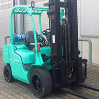 Вилочный погрузчик б/у MITSUBISHI FG30, 3 тонны, Двигатель на газу, свободный ход, сайд-шифт, цельнолитые шины