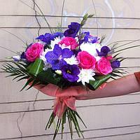 Букет из орхидей (ванды) и роз