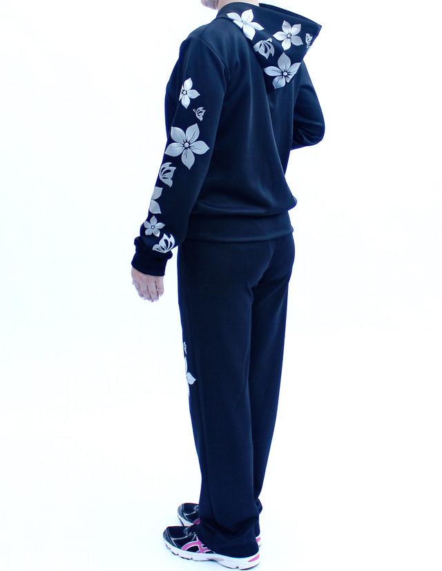 Женский спортивный костюм с узором Цветы спина фото teens.ua