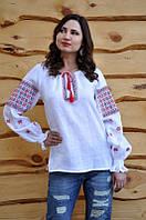 Женская рубашка-вышиванка с черно-красным узором