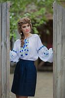 Жіноча сорочка з вишитими волошками