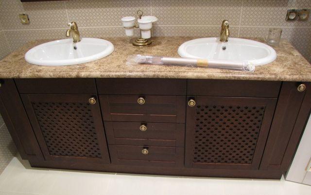 Мебель для ванных комнат из массива