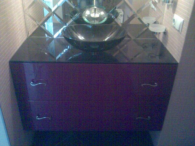Мебель для ванных комнат из крашенного МДФ