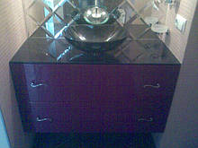 Мебель для ванных комнат из крашенного МДФ на заказ