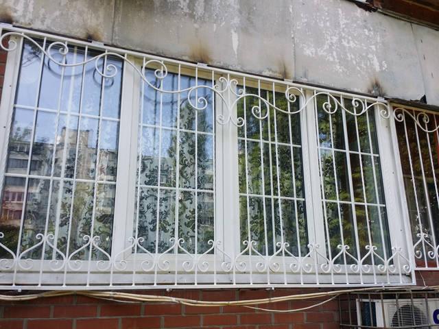 Решетки на окна кованые в Киеве