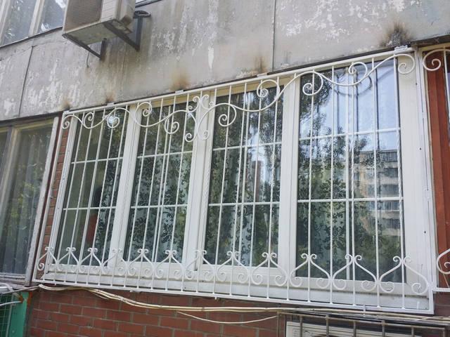 Решетки на окна кованые в Киеве 1